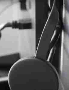 Connecting-Chromecast-and-Tv
